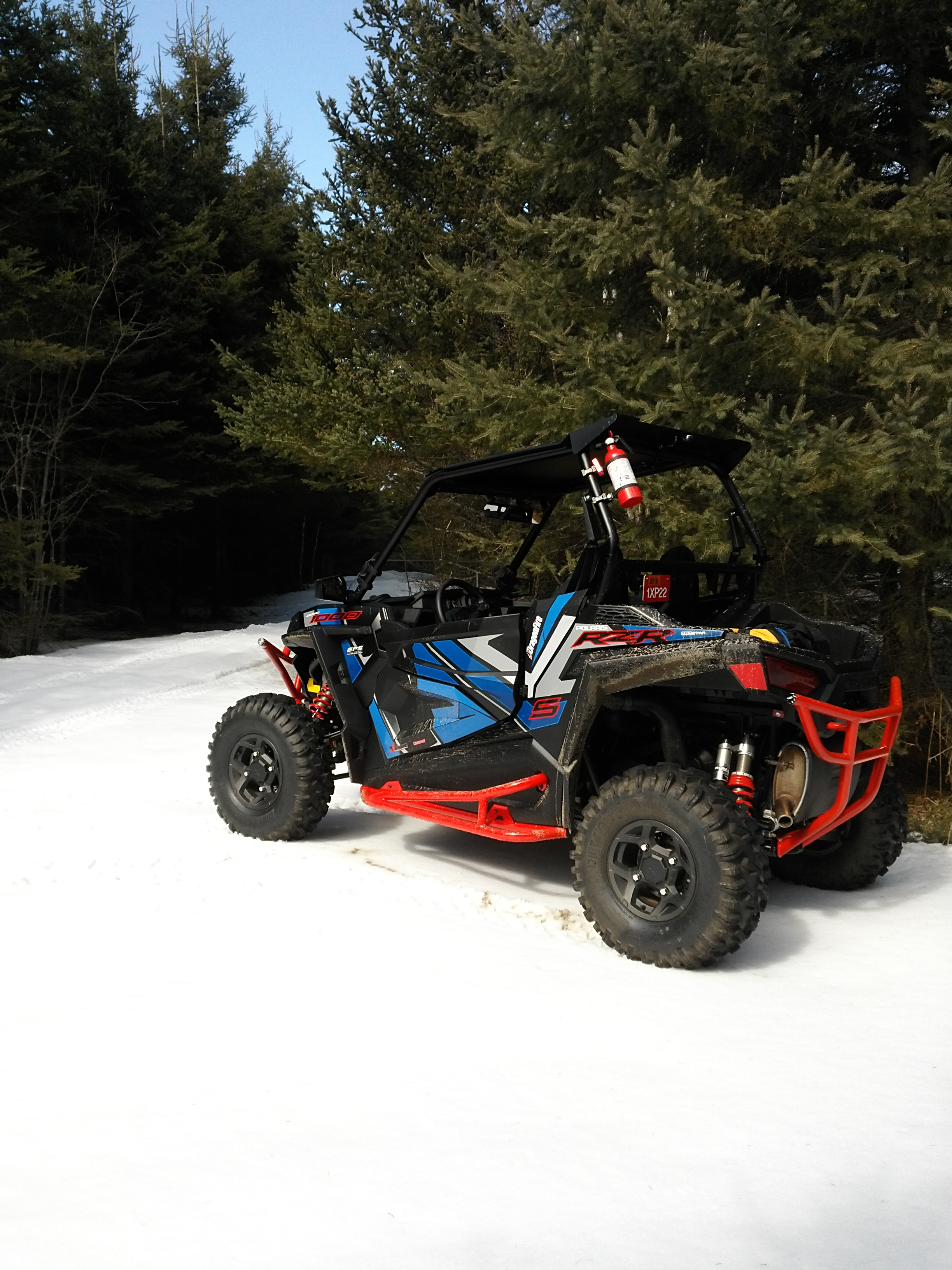 Click image for larger version  Name:Rzr at shack parking lot..jpg Views:260 Size:1.64 MB ID:406833